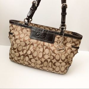 Coach tan brown signature print shoulder bag